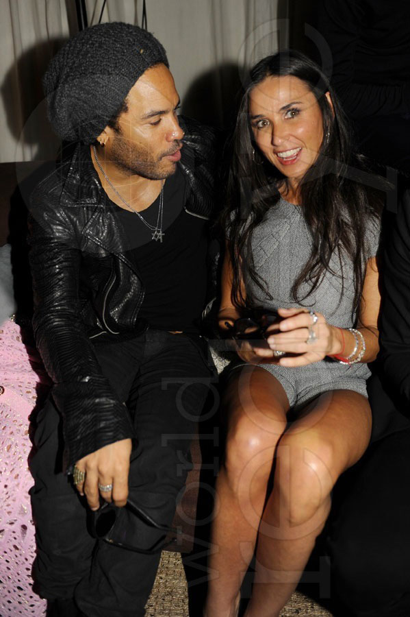 Photo of Lenny Kravitz & his friend actress  Demi Moore - Longtime