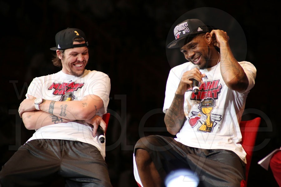 07e892d04f9 2013 NBA Champions Miami Heat Rally - World Red Eye