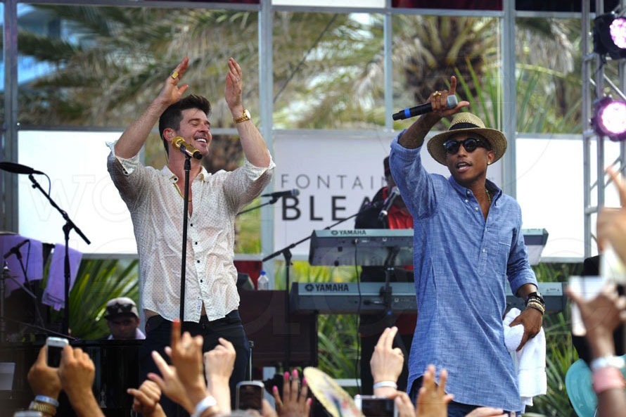 Robin Thicke & Pharrell at BleauLive