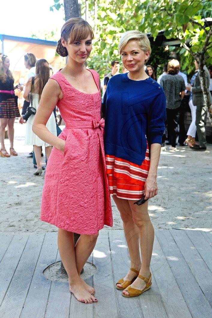 _2-Louise-Bourgoin-&-Michelle-Williams