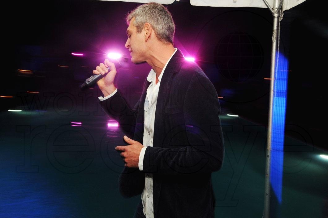 _6-Matisyahu-Performing--3