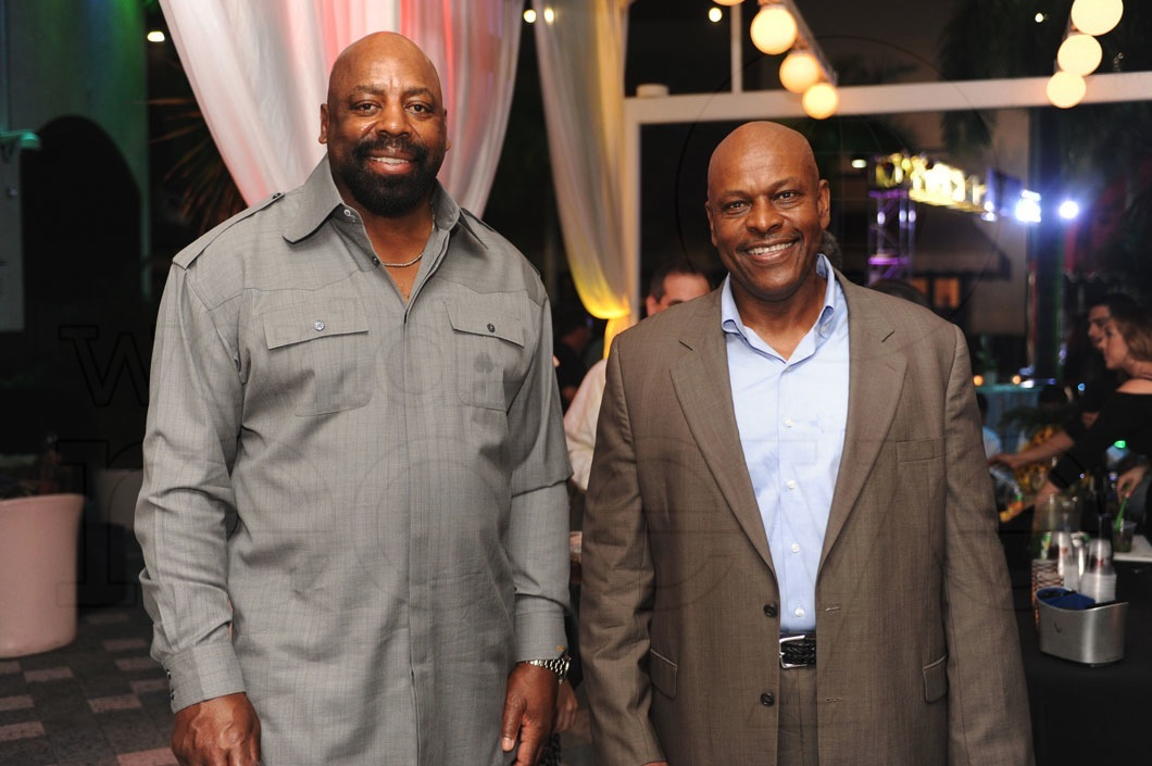 _22-Ed-Too-Tall-Jones-&-Dwight-Stephenson