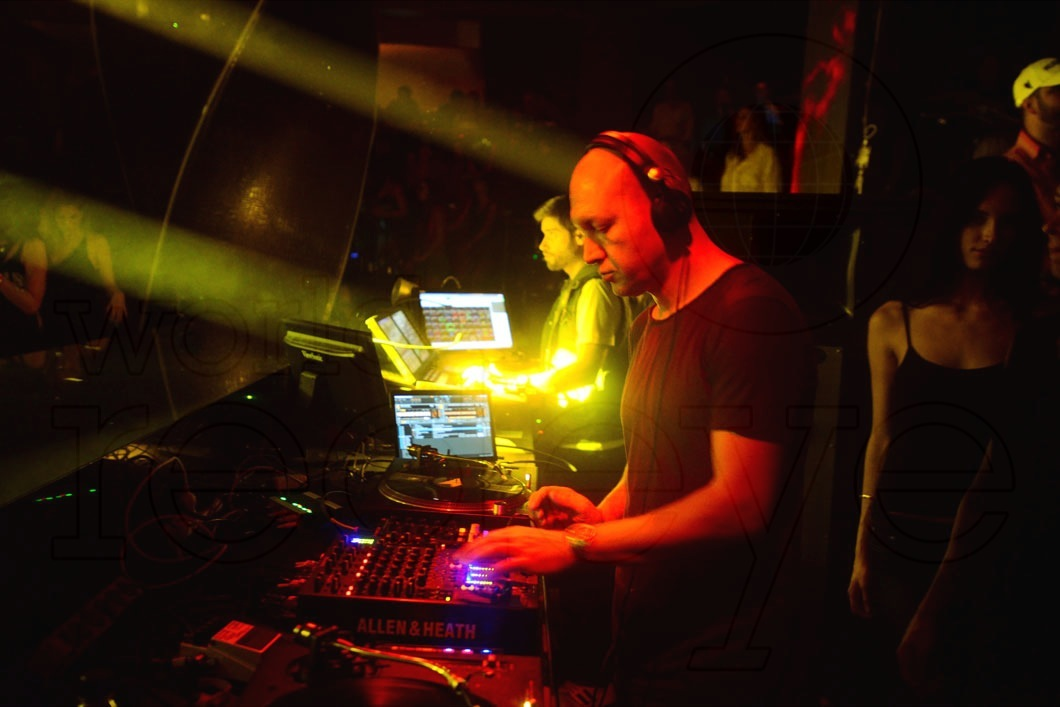 _4-Marco-Carola-DJing2