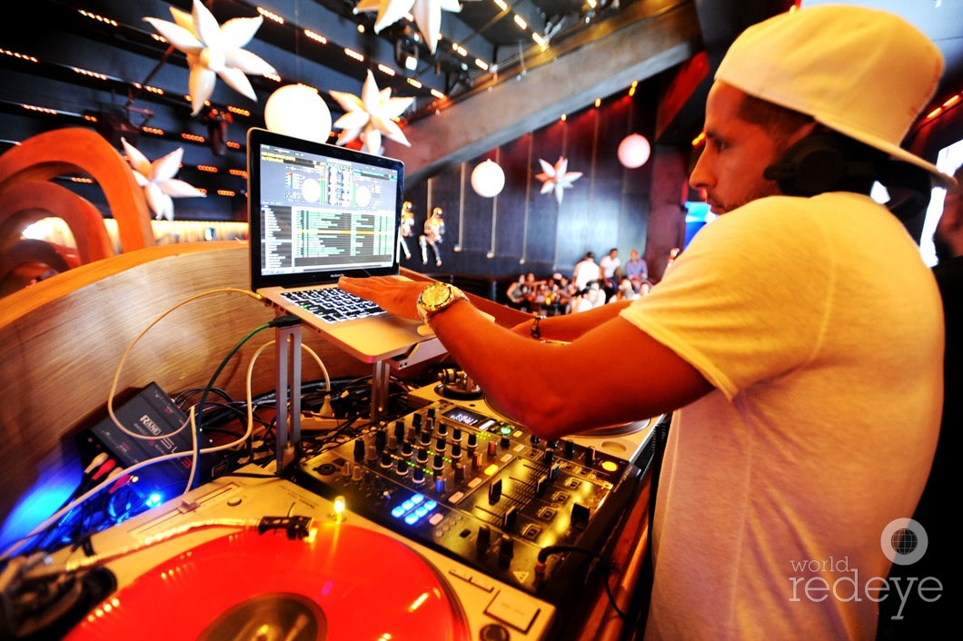 _3-Leo-Medina-DJing6