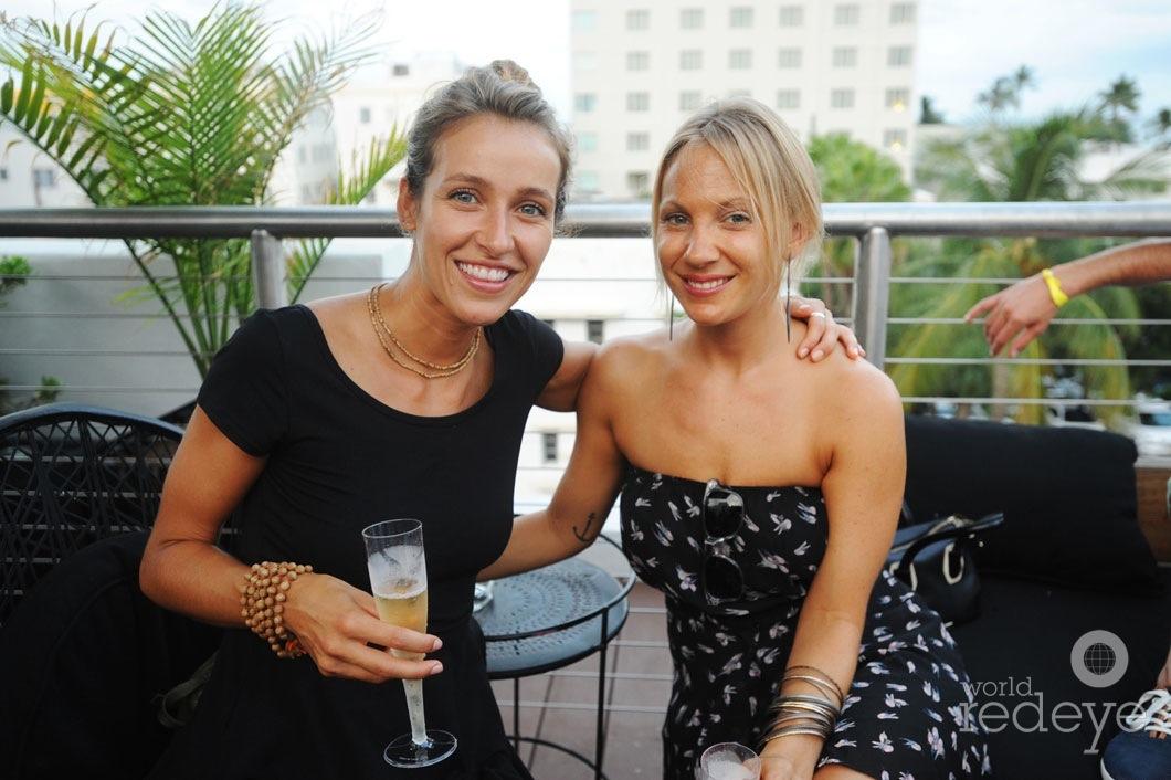 _37-Katie-Love-&-Bethany-Platanella