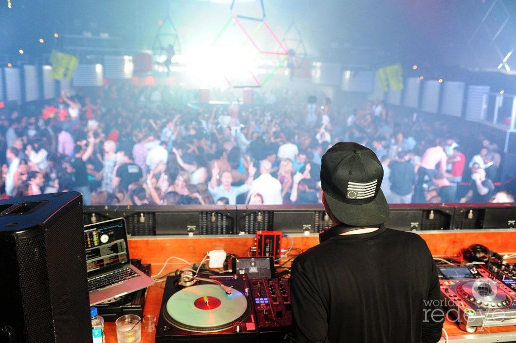 16-DJ-Ruen-Djing