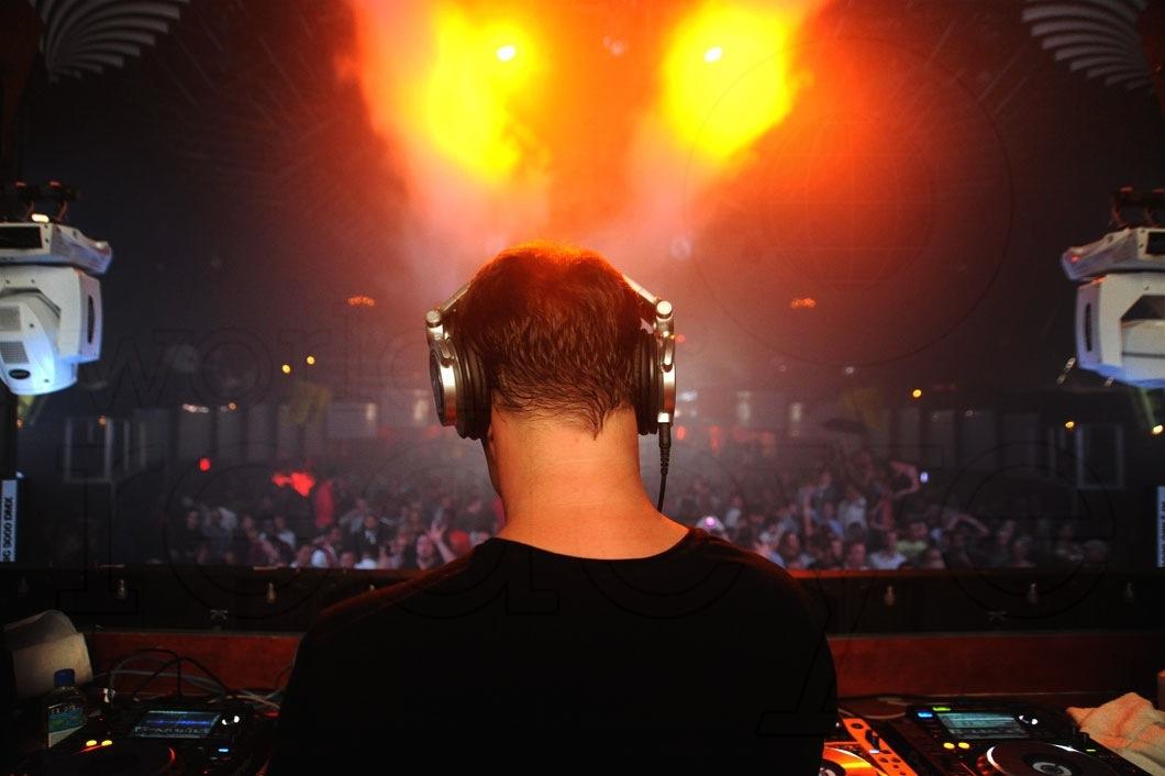 1-Markus-Schulz-DJing