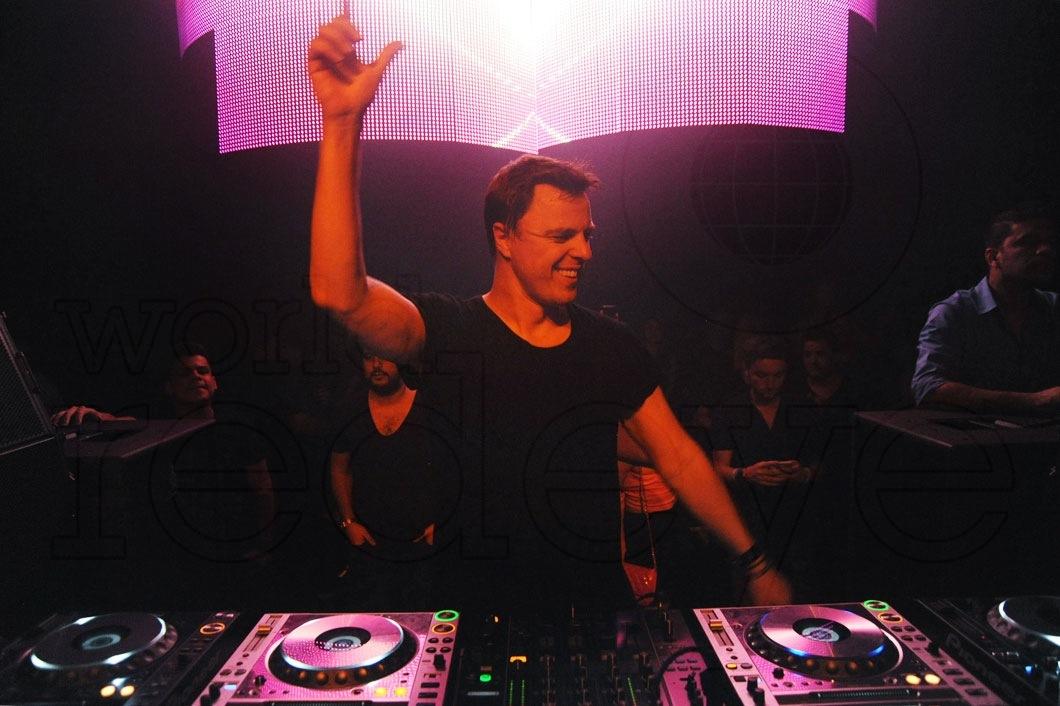 13-Markus-Schulz-DJing5