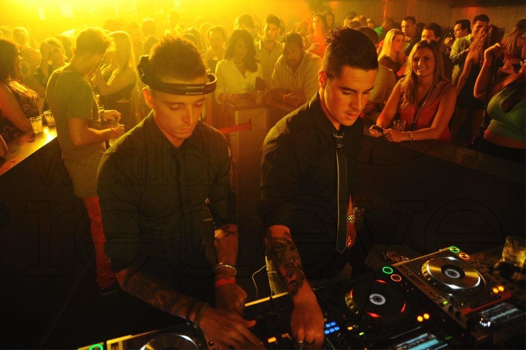 18-Blasterjaxx-DJing8