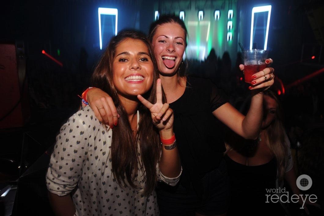 22-Heidi-Daragnes-&-Caroline-Michel