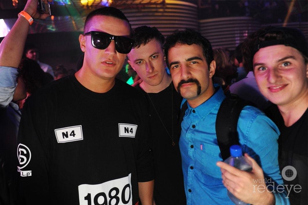 28-DJ-Snake,-Alesia,-&-Valentino-Khan