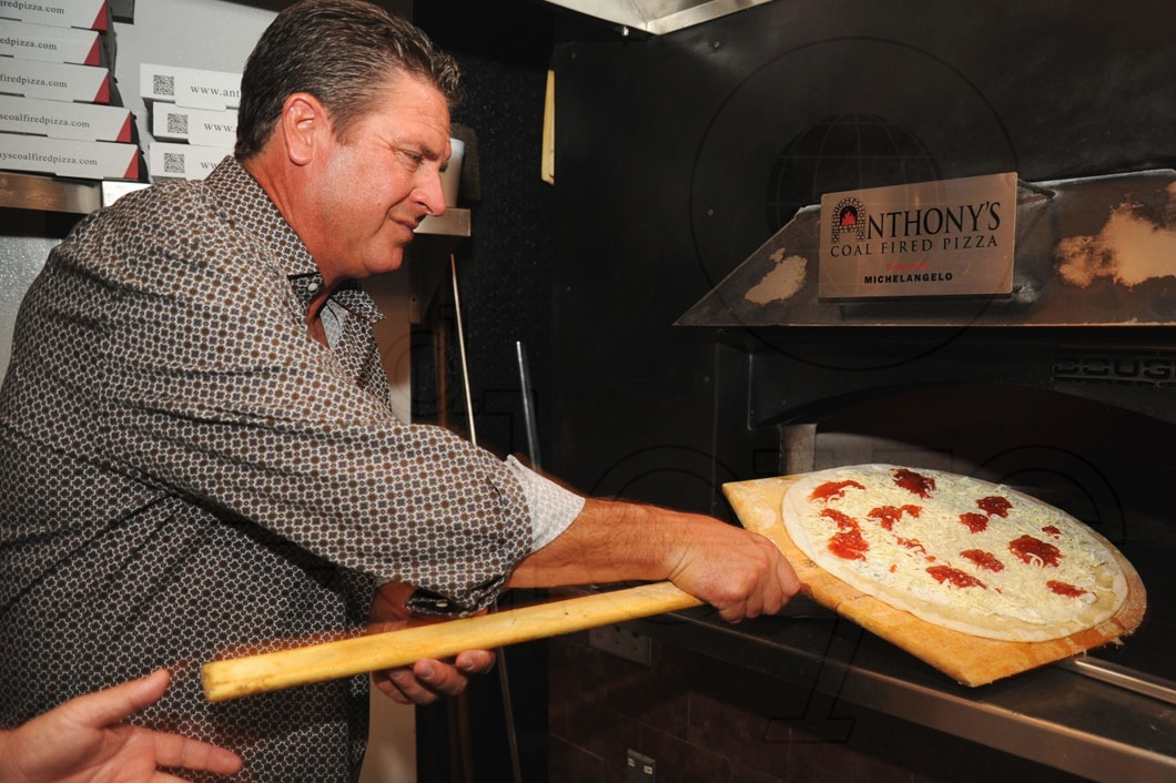 1-Dan-Marino-Making-Pizza