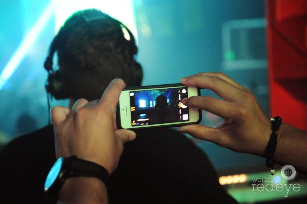 11Chris-Valencia-DJing7