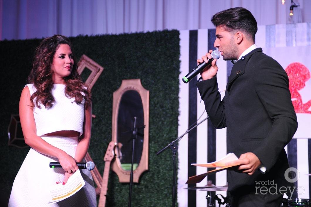 12-Pamela-Silva-Conde-&-Jencarlos-Canela-speaking