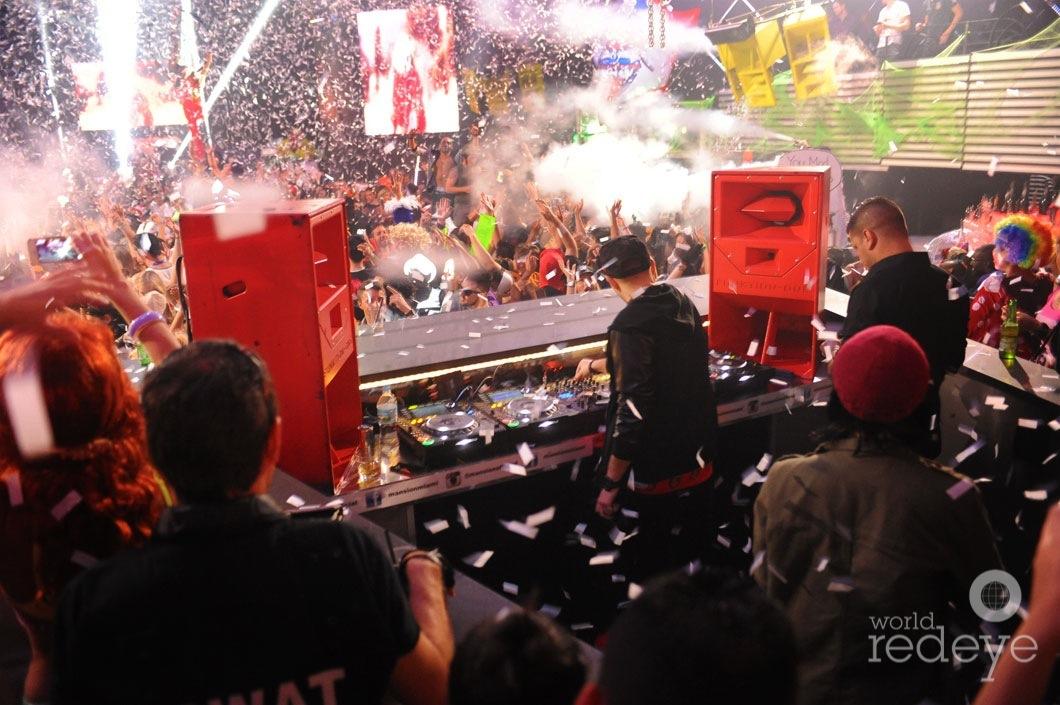 03-Chris-Valencia-DJing