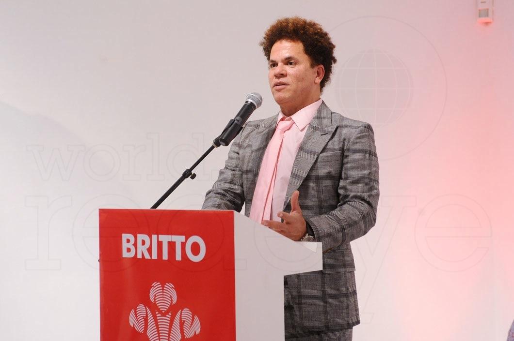 15-Romero-Britto-speaking1