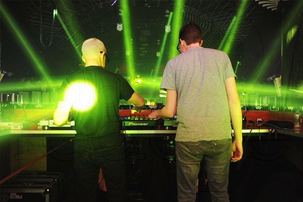 16-Above-&-Beyond-DJing17