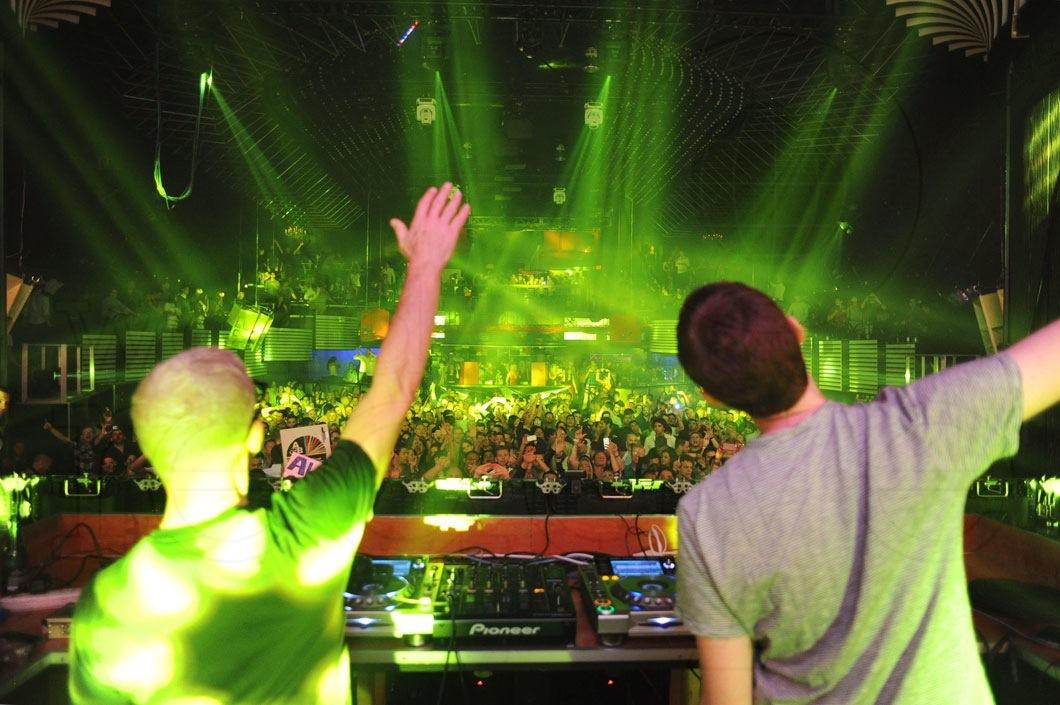 17-Above-&-Beyond-DJing18