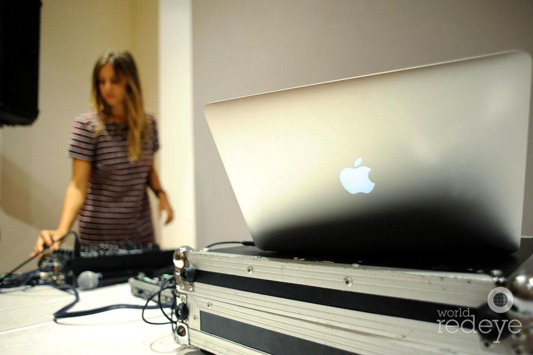 17-Jane-DJing1