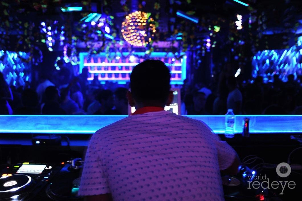 24-Blaze-Carreras-DJing2