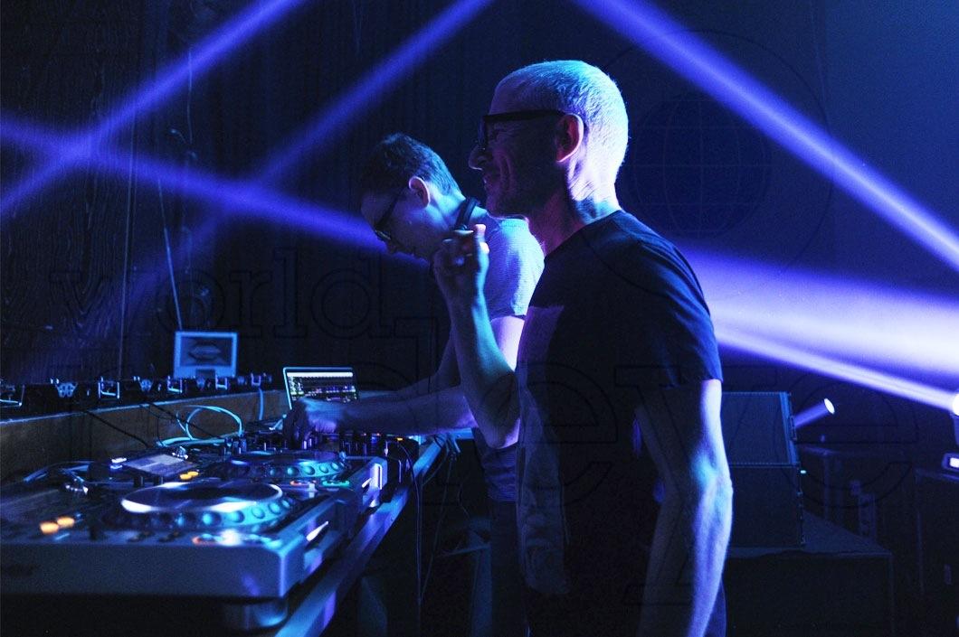 31-Above-&-Beyond-DJing2