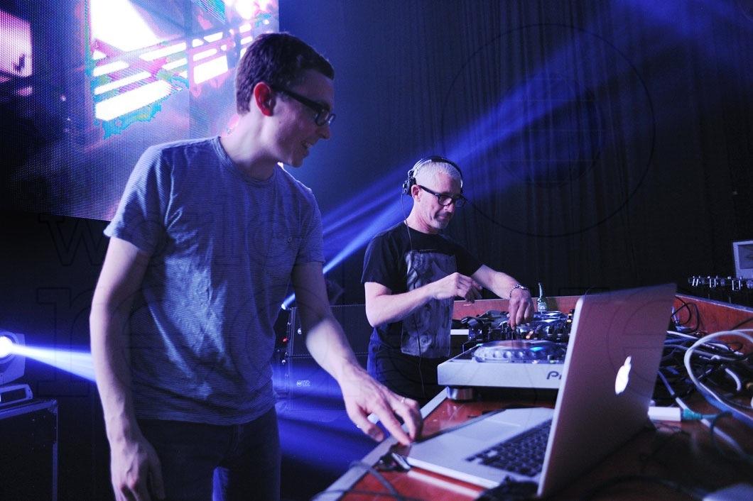 39-Above-&-Beyond-DJing13