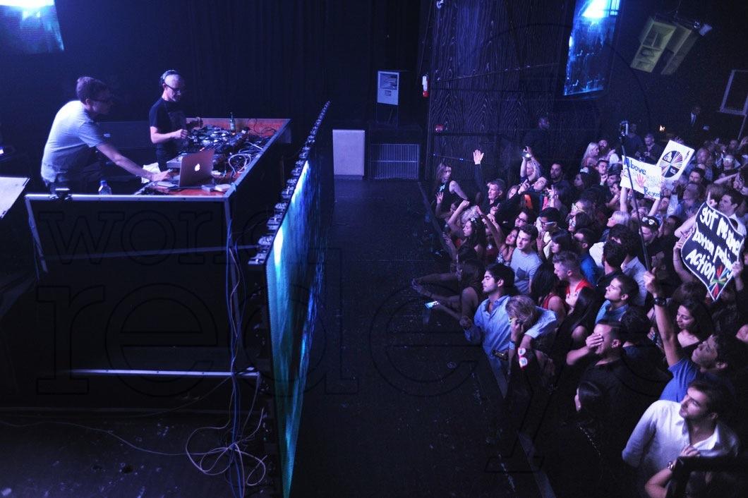 40-Above-&-Beyond-DJing5