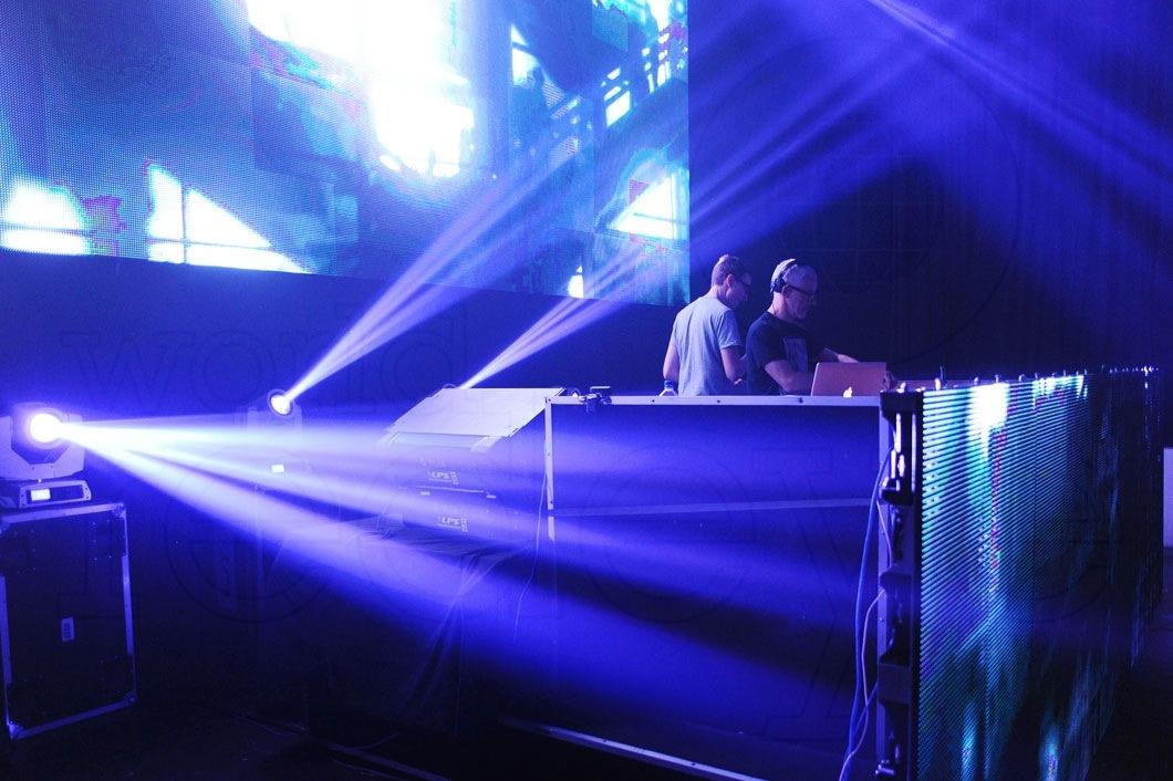 43-Above-&-Beyond-DJing8