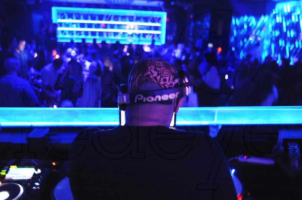 01-Big-Ben-DJing2