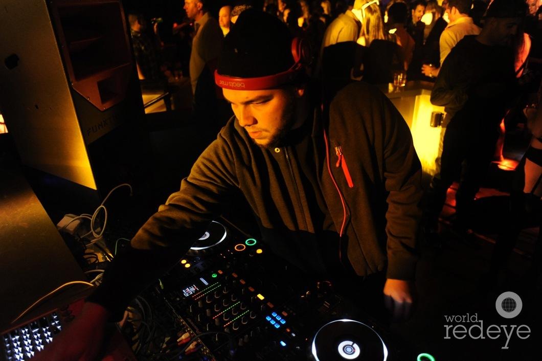 09-Killa-Ka5-DJing1