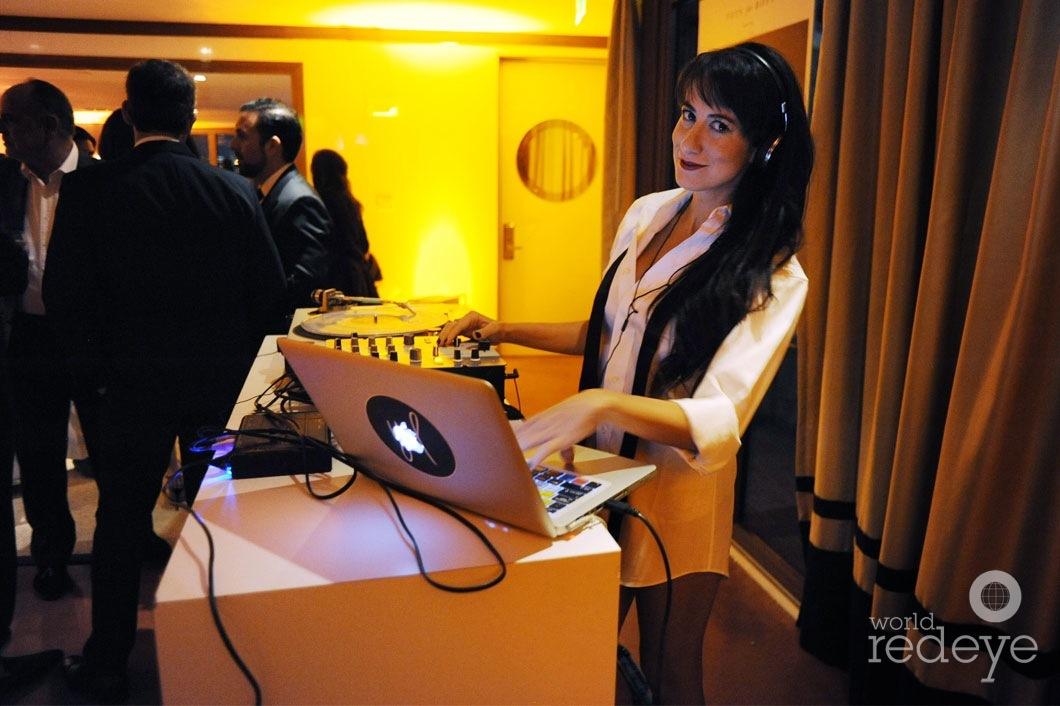 32-YSL-DJing1