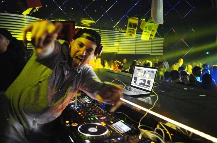 01-DJ-Prostyle-djing-3