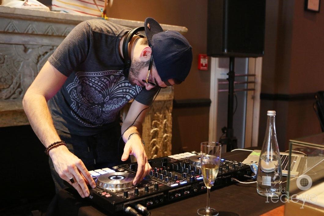18-DJ-Sk1tty1
