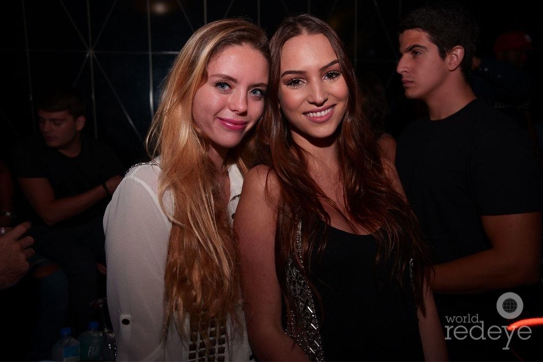 34-Fabiana-Martinez-&-Vittoria-Gonzalez