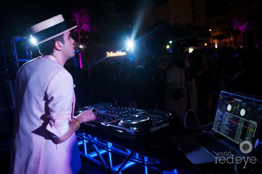 65-Cassidy-DJing4