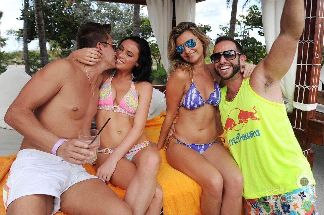 07- Alex Majarskii, Megan, Ali Marlena, & Friend 1_new