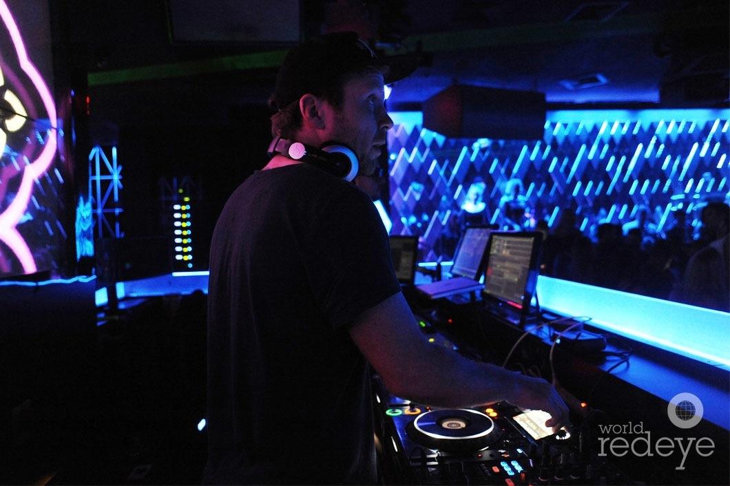 11- Mike Mago DJing6