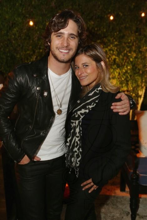 17-Diego Boneta & Carrie Hyman2_new