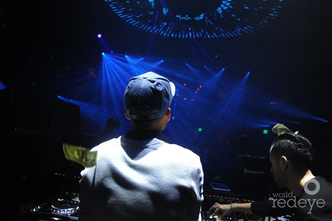 27- VICE DJing1