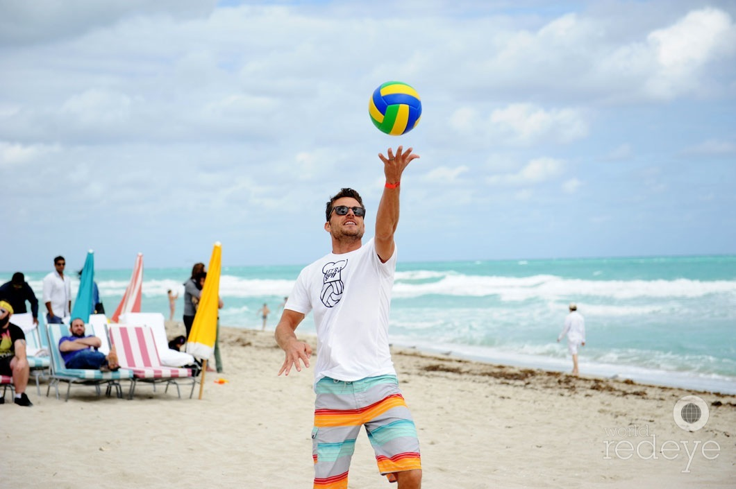 37.3-Marc Oliver playing volleyball