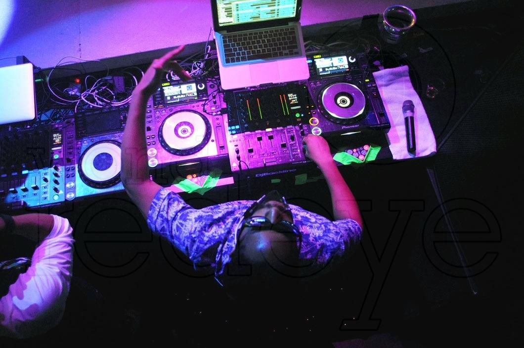 11-Lil Jon DJing15