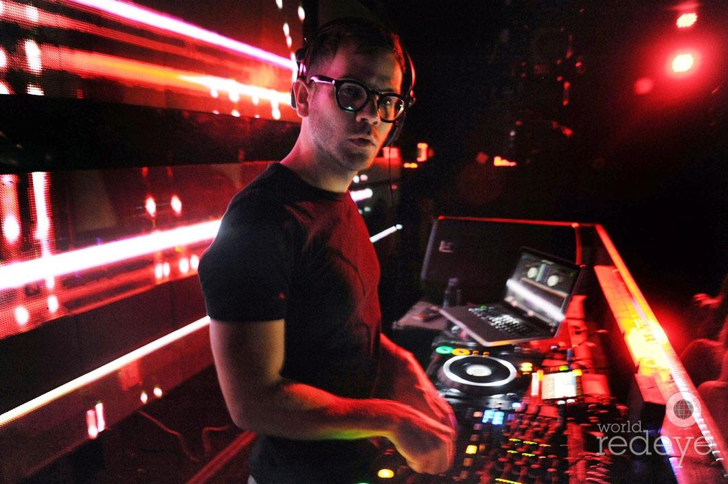 13- DJ Rascal djing 2_new