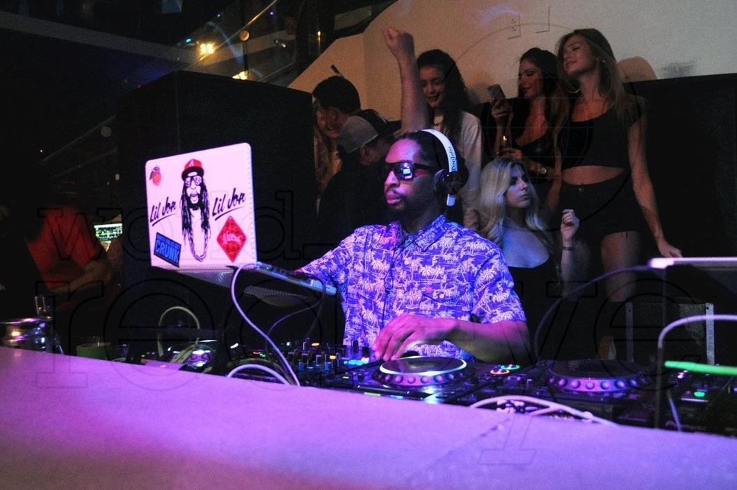 14-Lil Jon DJing41