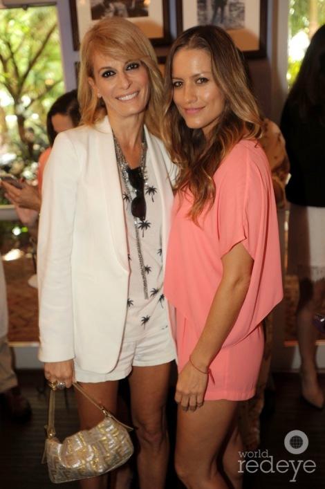 16-Alesia Moccia & Lola Ponce