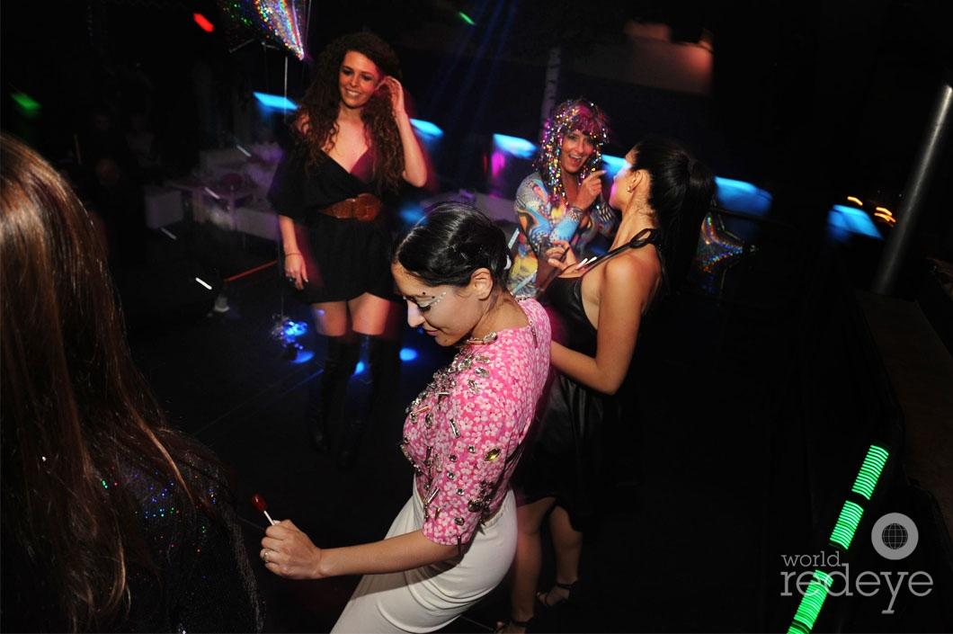 26- Maky Hinson & Friends dancing 1_new