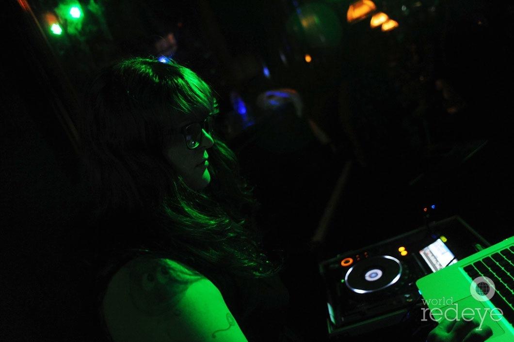 37- Sweetswirl DJing2