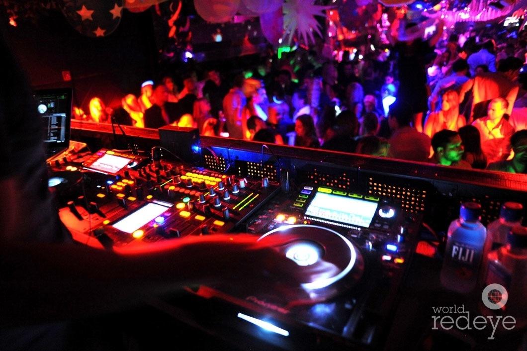 Rascal DJing3