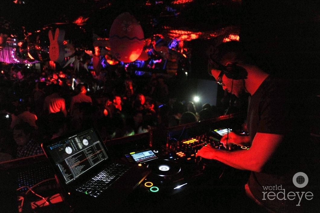Rascal DJing7