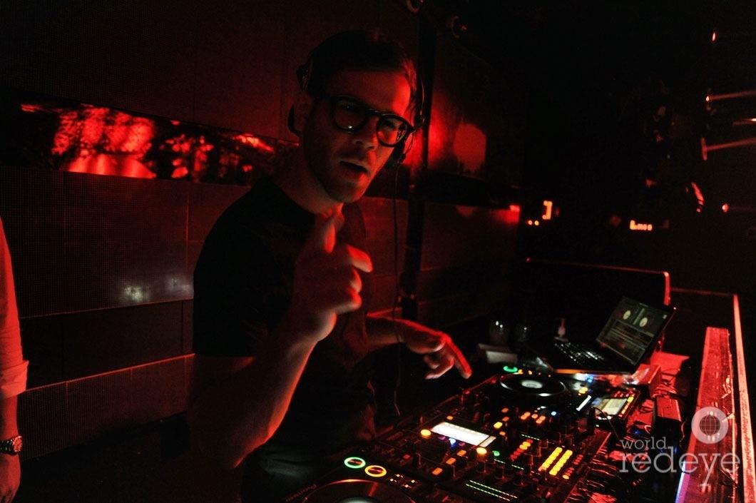 5-DJ Rascal djing 1