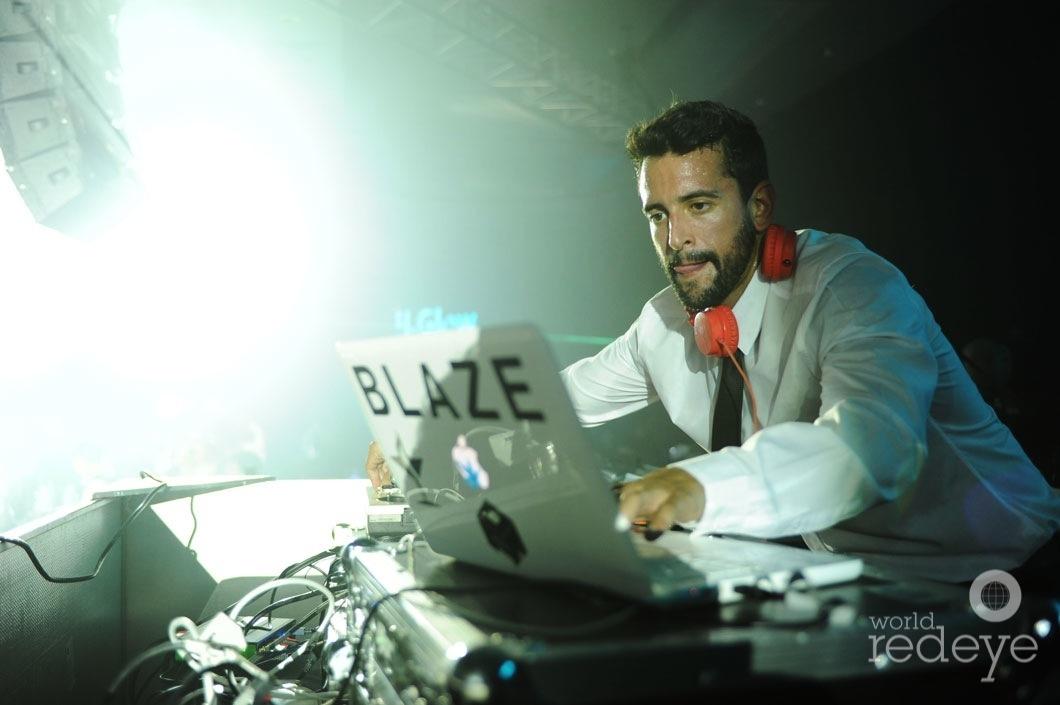 54-DJ Blaze Carerras DJing2